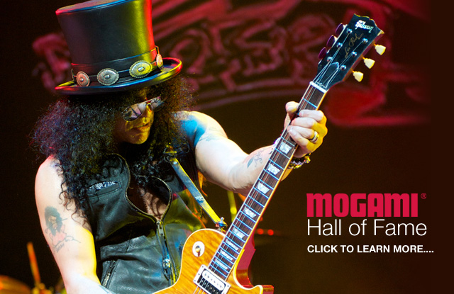 World famous Rock Hall of Fame artist Slash uses the cable of the pros